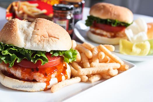 Shut Up and Eat Thai Kitchen Ambassador Recipe Challenge  - Ebi Burger With Spicy Roasted Red Chili Mayo